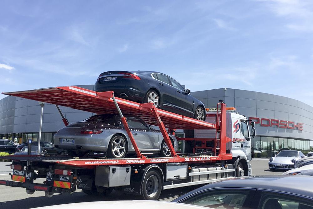 Remorquage de véhicules de luxe